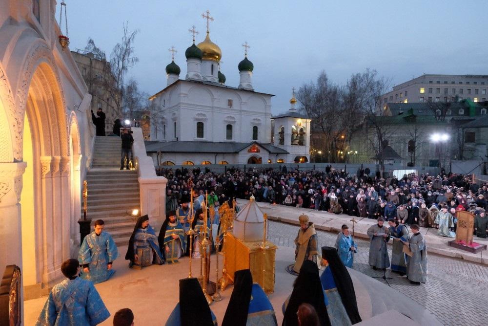 U Rusiji po prvi puta služena Liturgija pretposvećenih darova na otvorenom