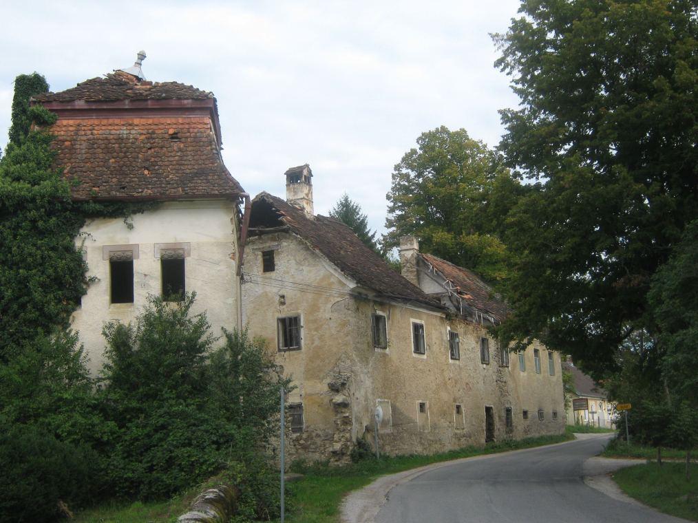 Propadaju zgrade u Pribiću