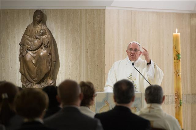 Papa Franjo: Kršćanin bez Crkve je ideja, a ne stvarnost