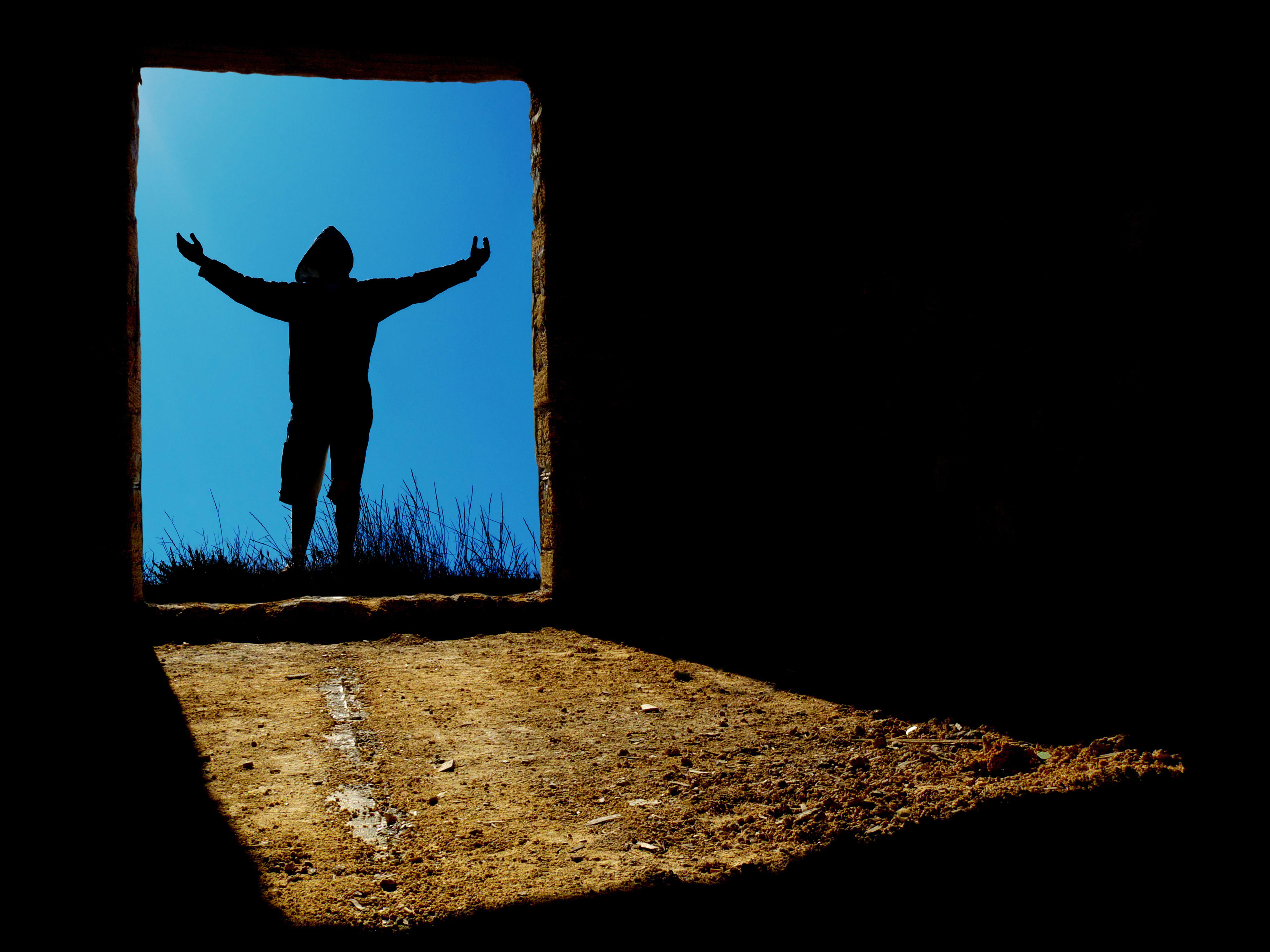 Tip valjana čovjeka nije ni 'lijevi' ni 'desni' nego onaj koji Božje zapovijedi vrši!