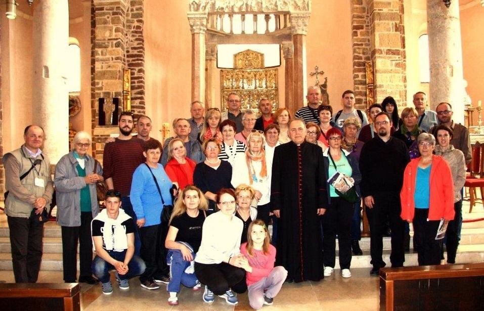 Hodočasnici iz Jastrebarskog poklonili se moćima sv. Trifuna u Kotoru