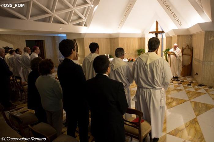 Papa: Bogatstvo, taština i ponos udaljuju nas od Isusa