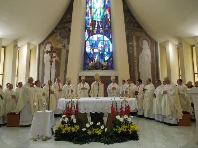 Većina katolika u Banja Luci u duhovnom zajedništvu proslavila zaštitnike naše katedrale