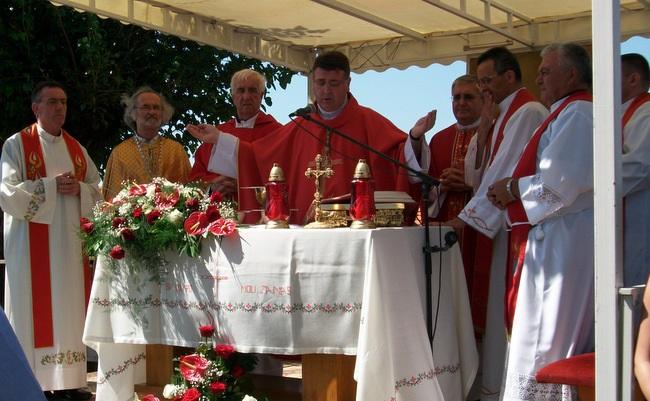 Biskup Ivan predvodio središnje slavlje na Lovrenčevo u Vivodini, grkokatolička liturgija tradicionalno u jutarnjim satima