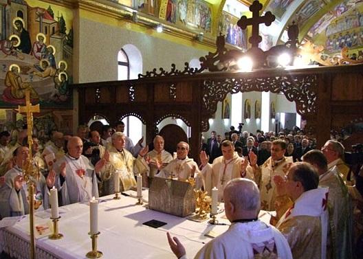 U kojem crkveno-pravnom pitanju je zagrebački metropolit nadležan i za Križevačku eparhiju?