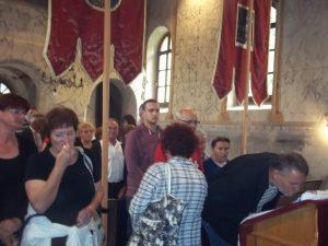Vjernici na Petrovo u Mrzlom Polju