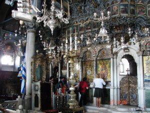 Unutrasnjost crkve u Tintosu