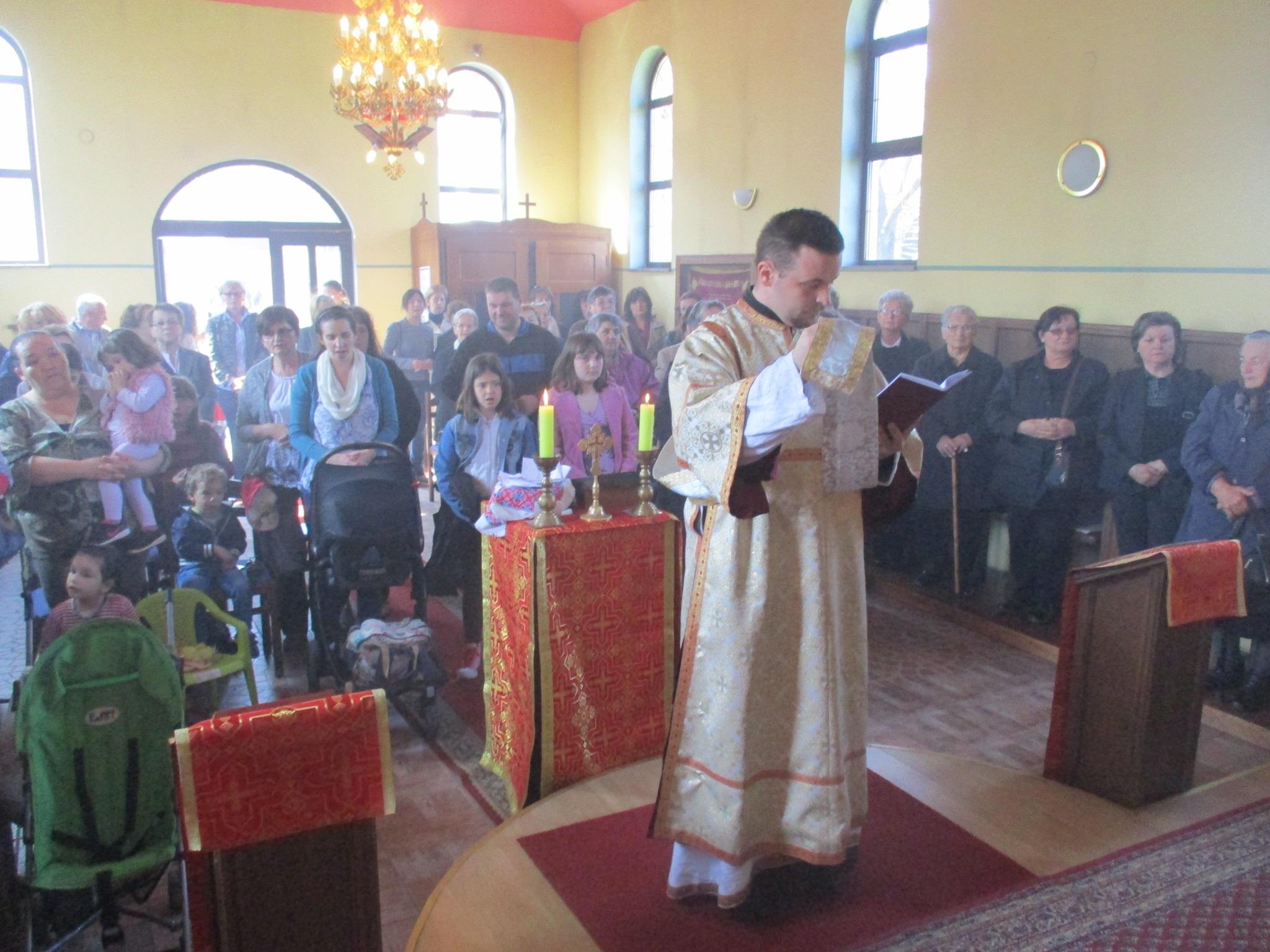 Mnoštvo vjernika u Samoboru molilo za svoje pokojnike