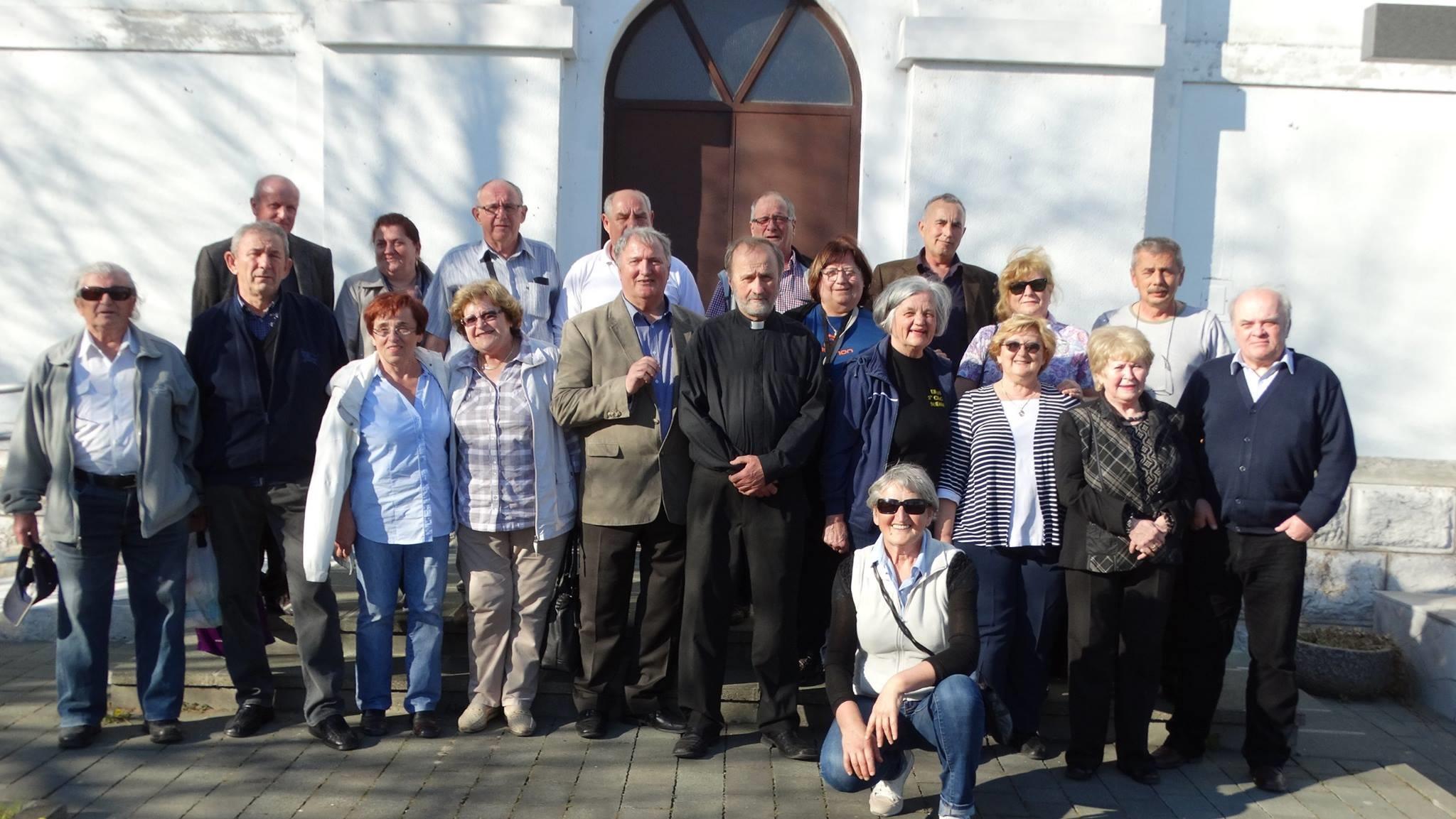 Hrvati iz Novog Mesta posjetili o. Andriju Kekića u Rakovici