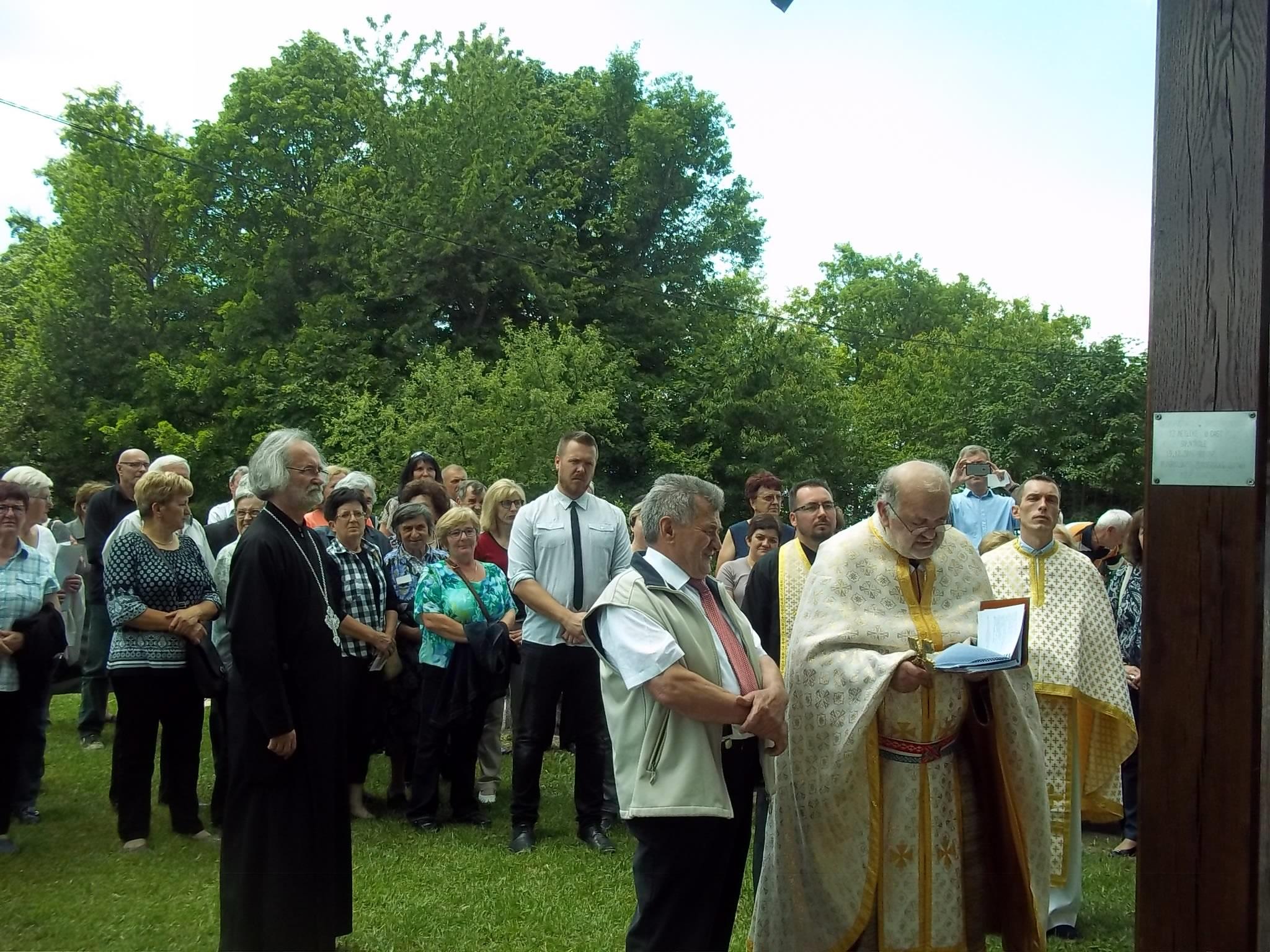 Blagoslovljen novi križ u Badovincima
