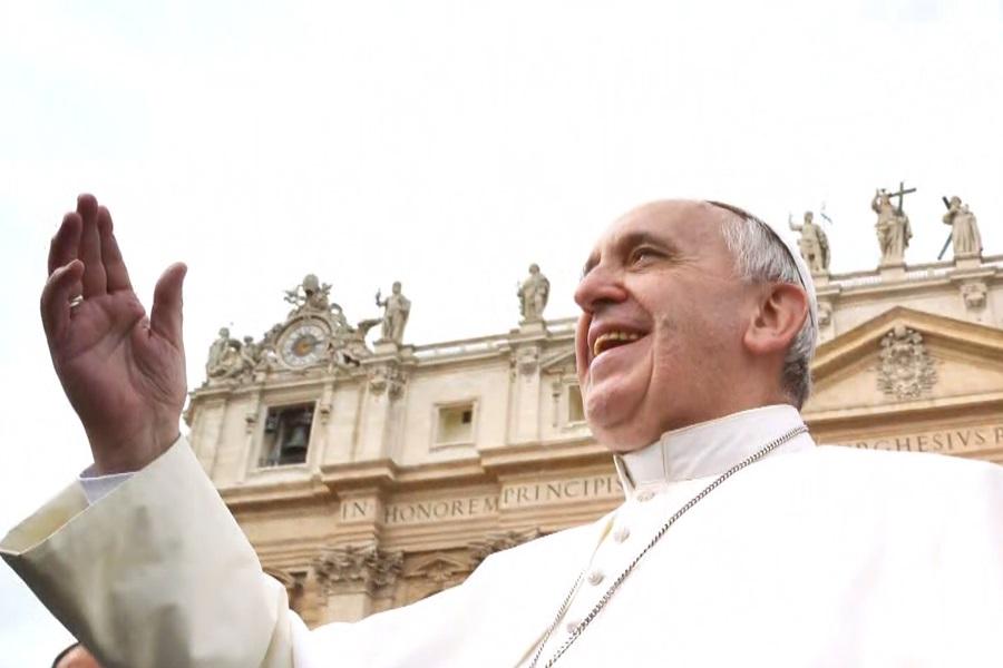 Papa Franjo: 4 stvari koje će upotpuniti molitvu