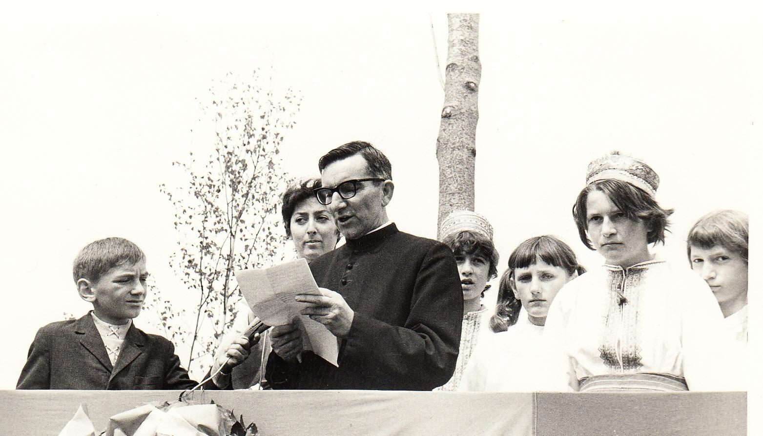 Svećenik Jure Hrnjak nosio je svjetlo Žumberačkog krijesa u sva sela župe Radatovići