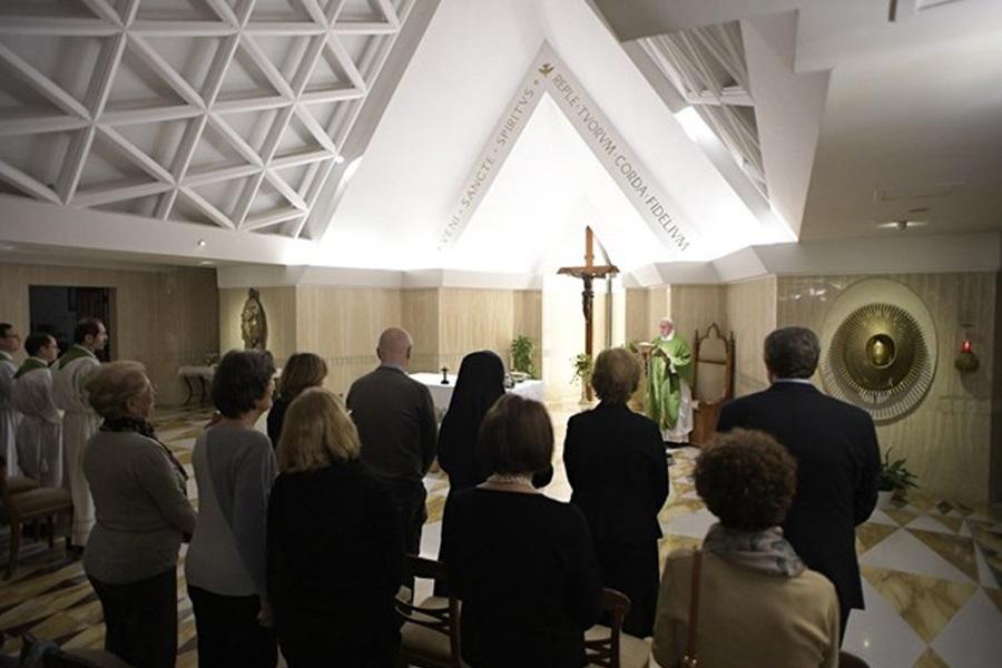 Papa u Svetoj Marti: dvostruki život pastira je rana u Crkvi