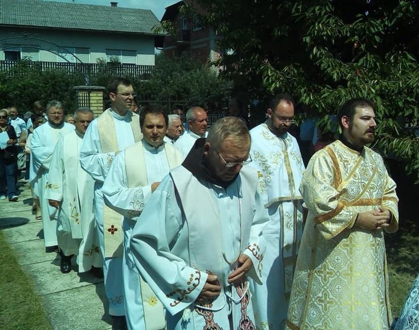 Grkokatolički klerici iz Jastrebarskog na svečanosti u franjevačkoj crkvi