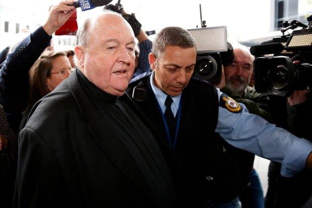 Nadbiskupu prikrivatelju godina dana zatvora