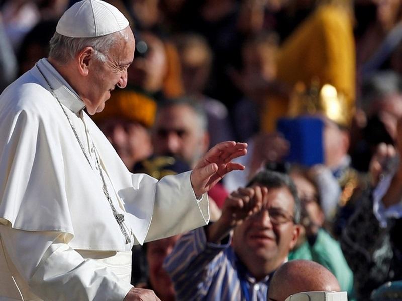 Papa: Nitko nije apsolutni vlasnik dobara, već upravitelj