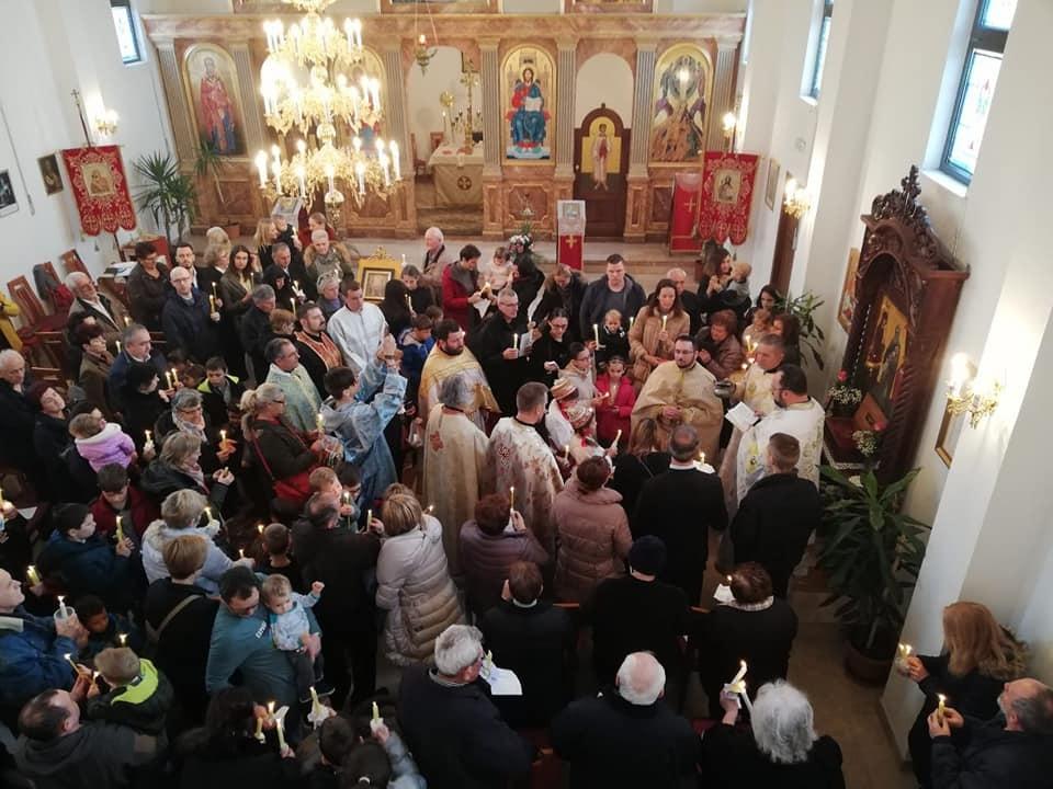 U Jastrebarskom mnoštvo vjernika na liturgiji u povodu blagdana Susreta Gospoda Isusa u Hramu