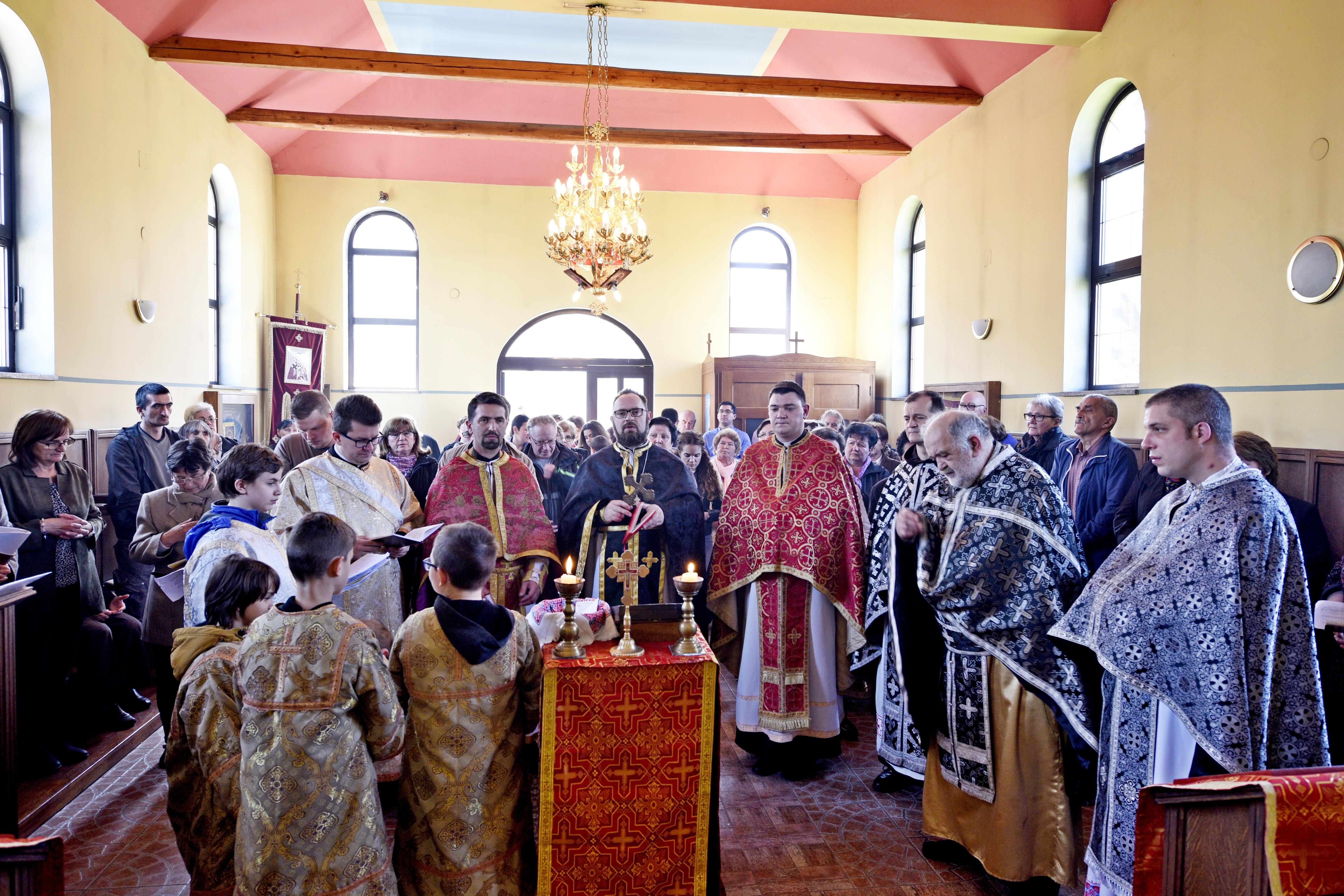 Apostolski administator Križevačke eparhije mons. Milan Stipić sa svećenicima i vjernicima u Samoboru proslavio Zadušnu subotu