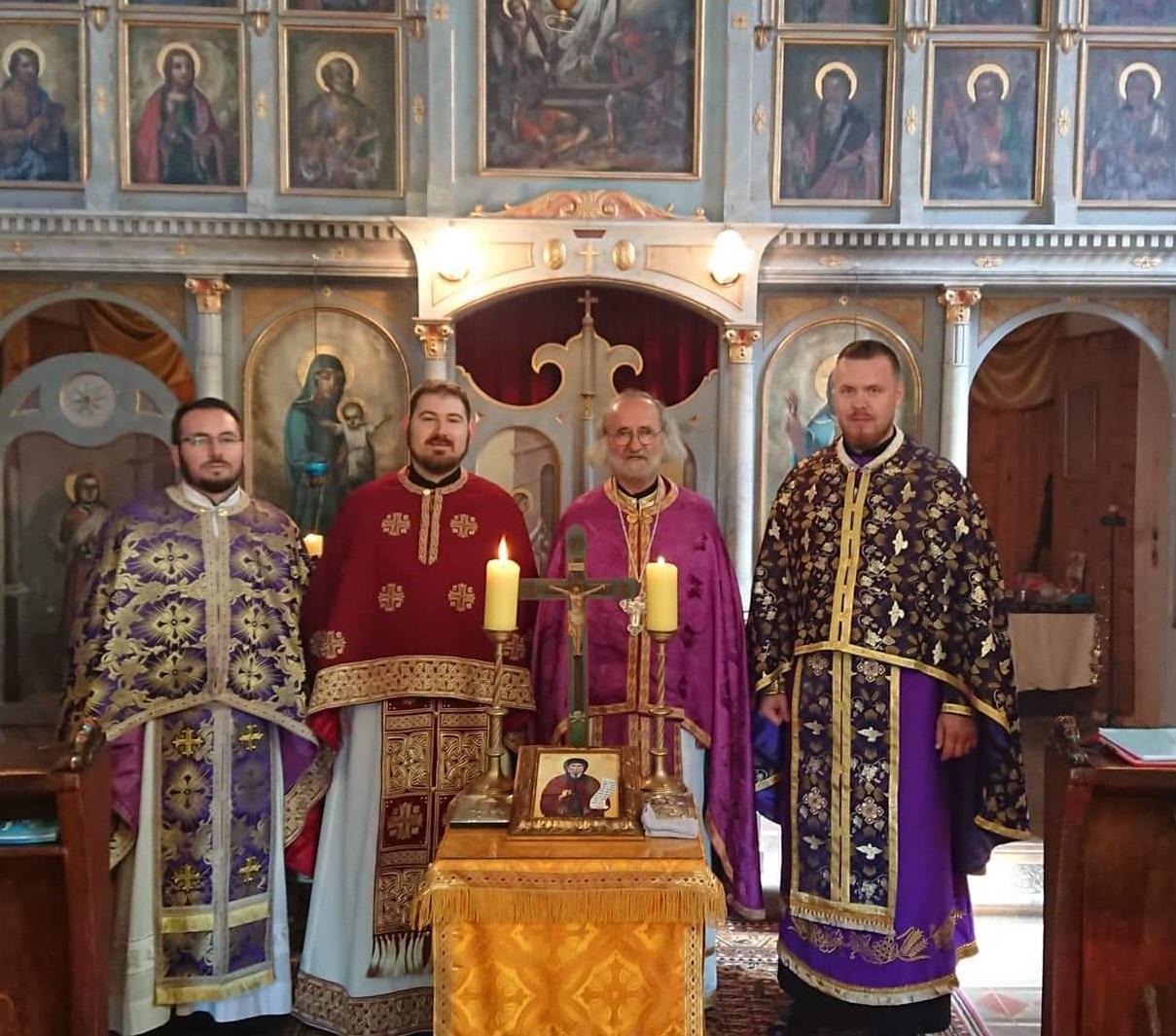 Svećenici protekle subote u Kaštu molili za sve pokojne