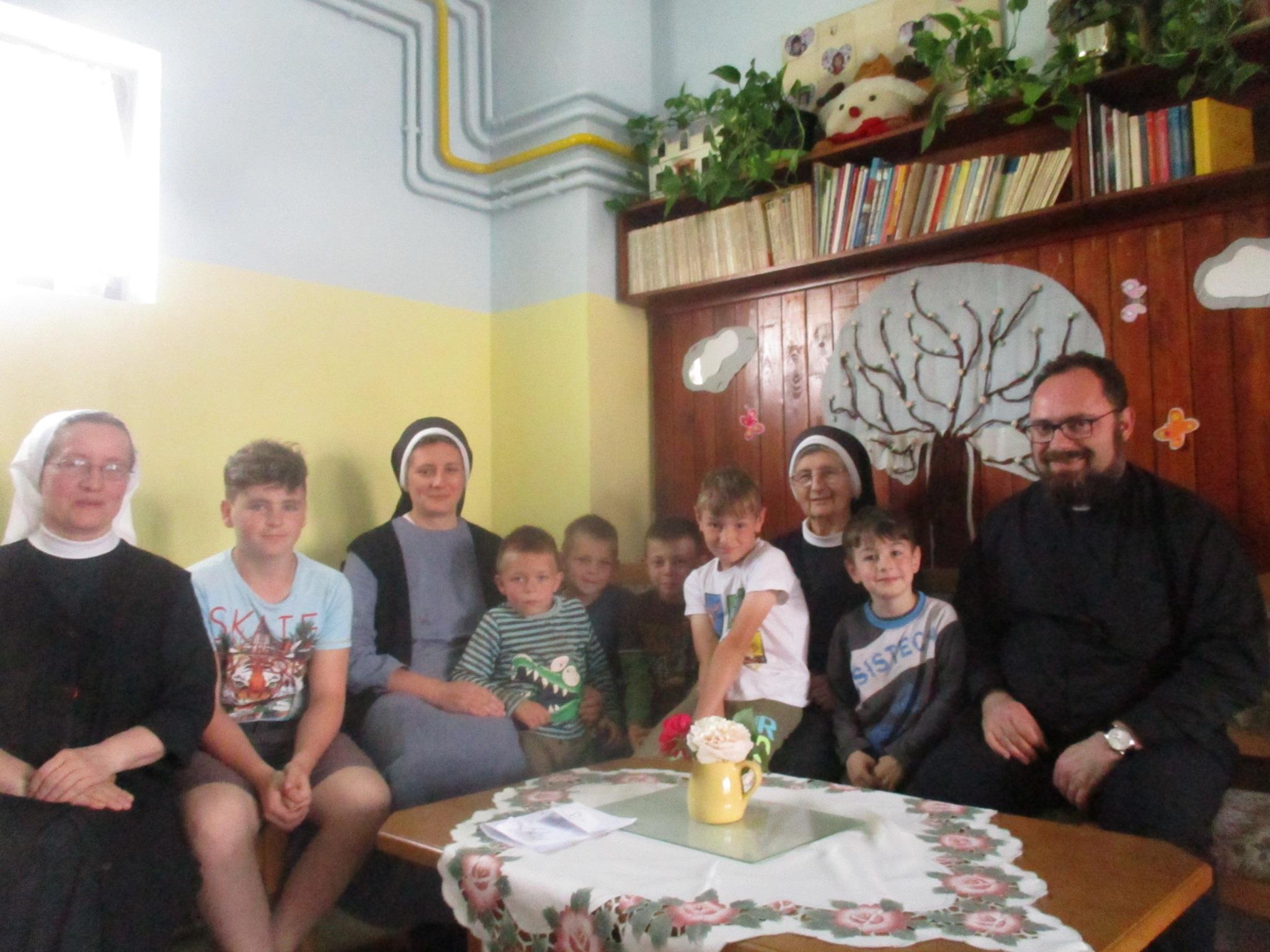 Ordinarij Križevačke eparhije posjetio dom za djecu kojim upravljaju časne sestre Bazilijanke