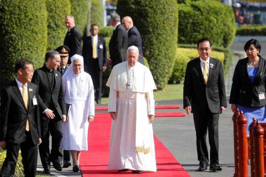 Papa Franjo u Tajlandu: Ustrajati u naporima oko istrebljenja biča zloporabe vlasti i nasilja nad ženama i djecom