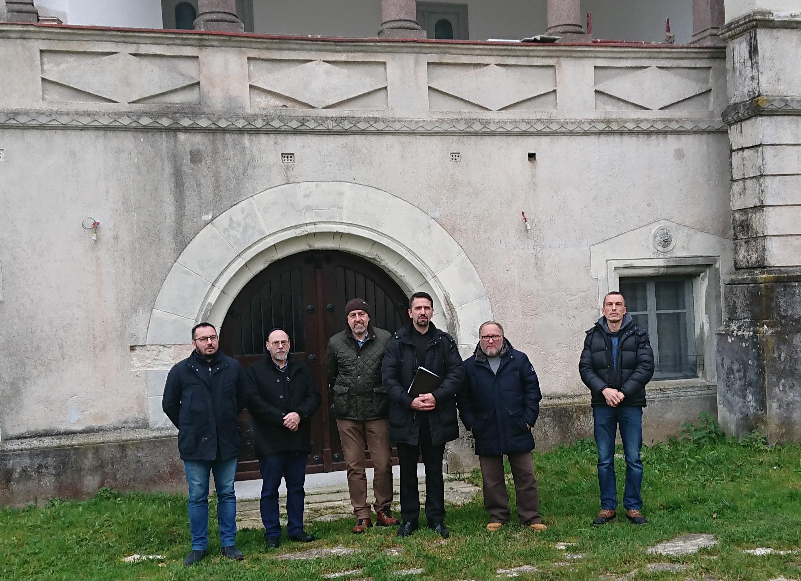 Izvršen nadzor nad stanjem crkvenog dvorca u Pribiću
