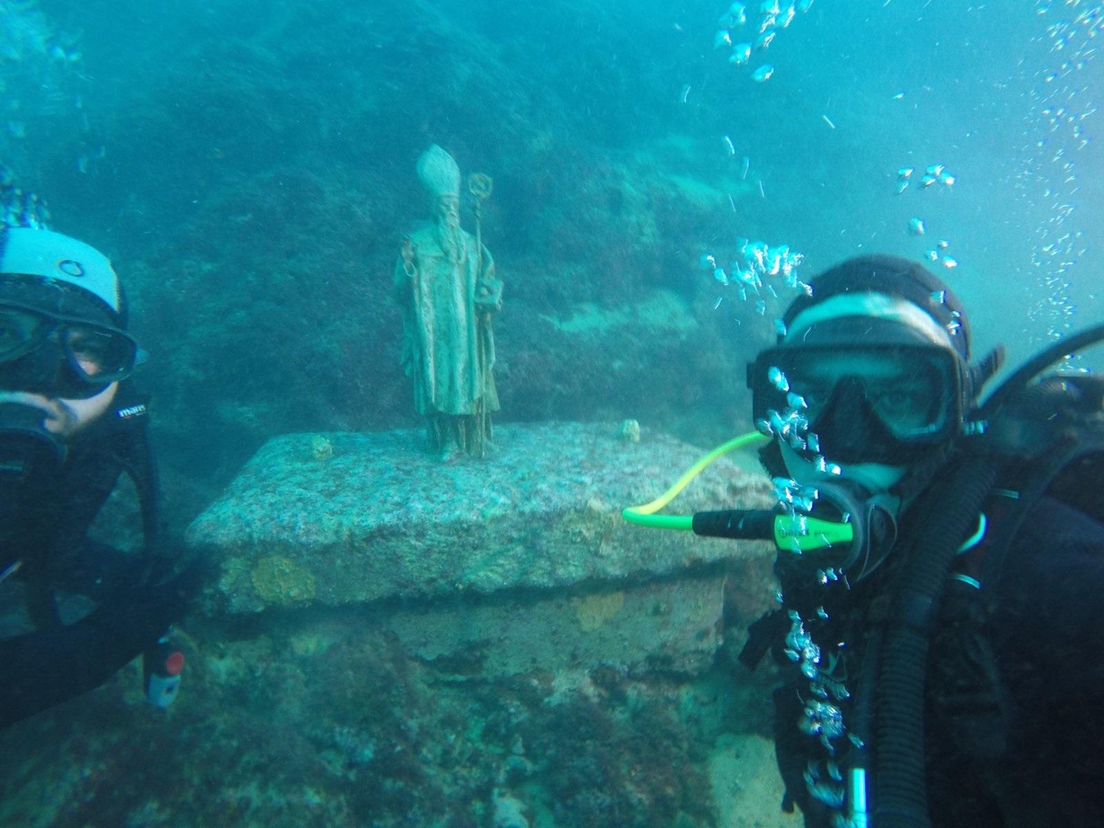 Mladi jaskanski grkokatolici zaronili pod more u čast Svetog Nikole