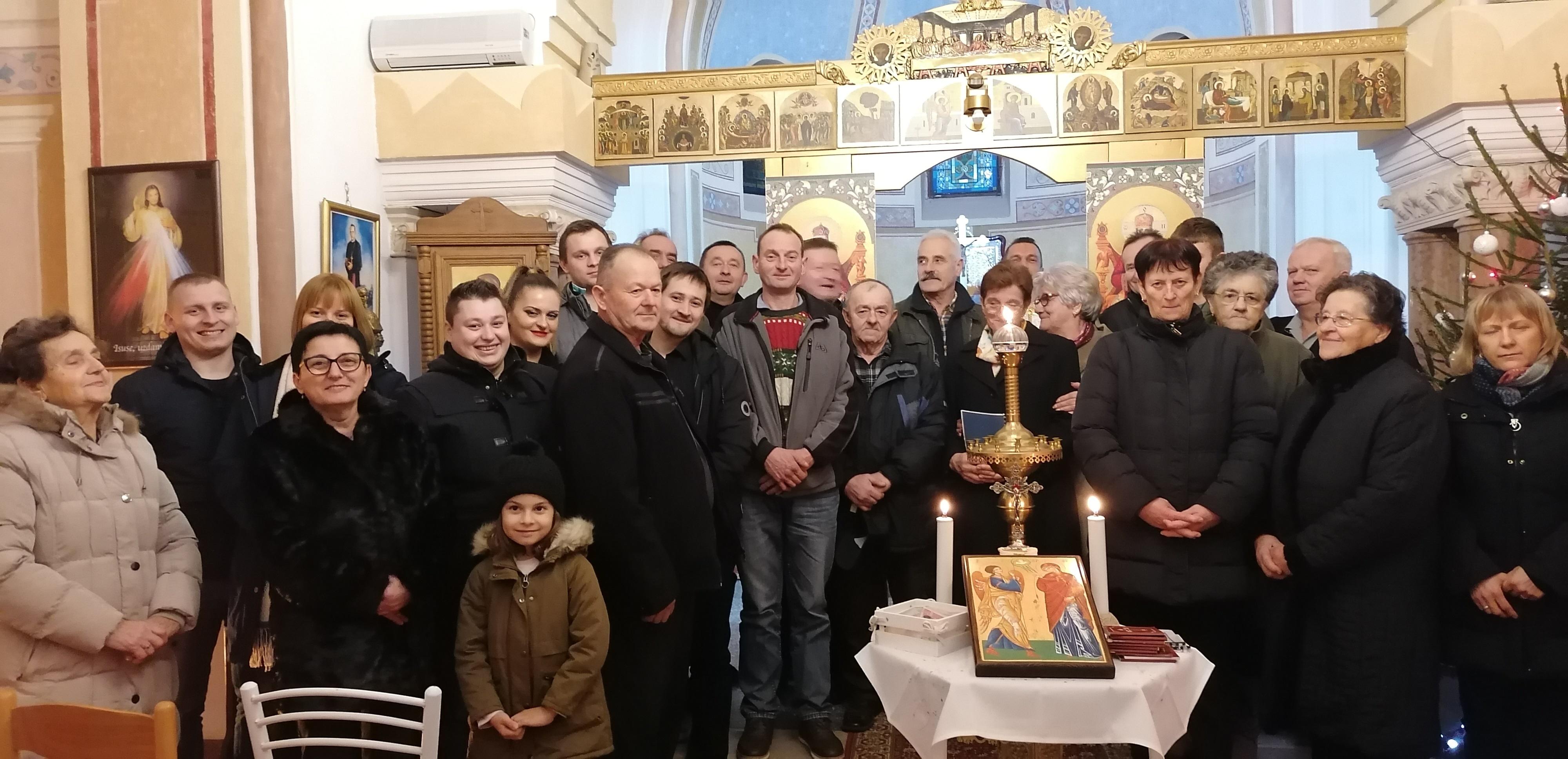 Žumberčani od Pribića do Mrzlog Polja polnoćnim liturgijama dočekali Božić