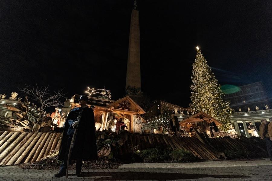 Papa Franjo: Jaslice nas podsjećaju na ono što je uistinu Božić