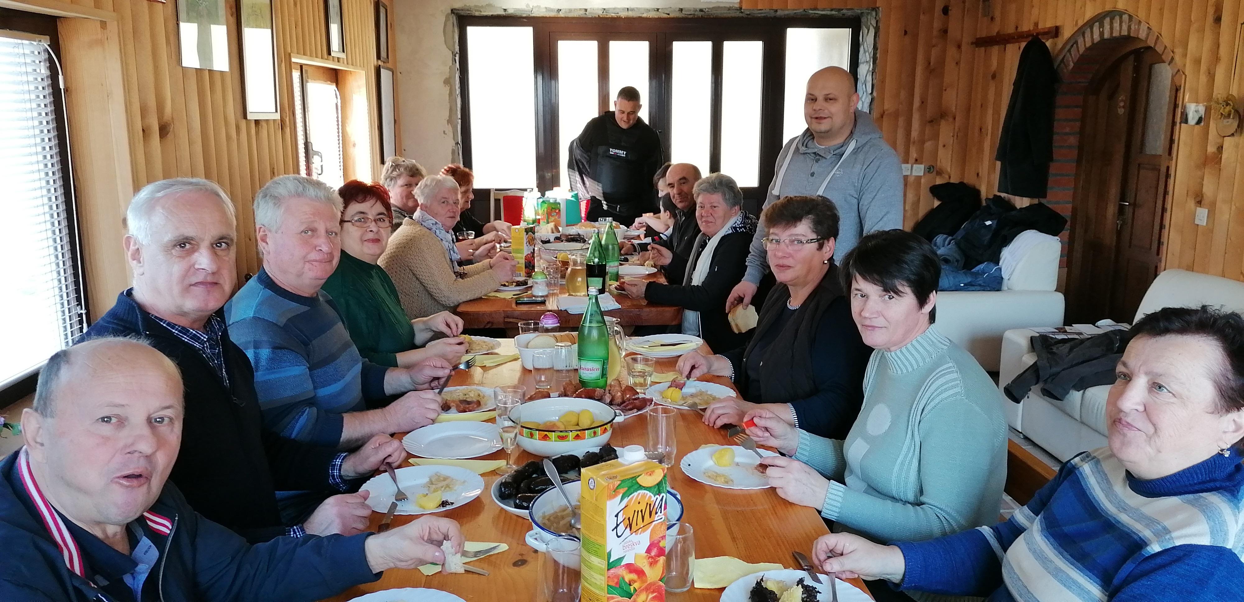 Na blagoslovu obitelji okupilo se cijelo selo Kordići