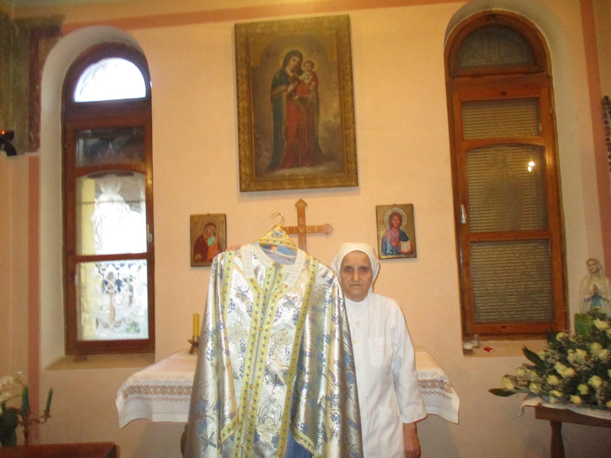 Bogorodica uslišala molitve i podarila zdravlje, a vjernici u znak zahvalnosti darovali crkveno odijelo i ikone