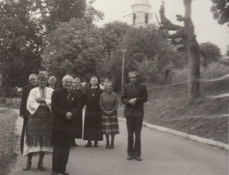 Kardinal Franjo Kuharić u svoje vrijeme čestitao je vjernicima istočnog obreda Uskrs pozdravom HRISTOS VOSKRESE