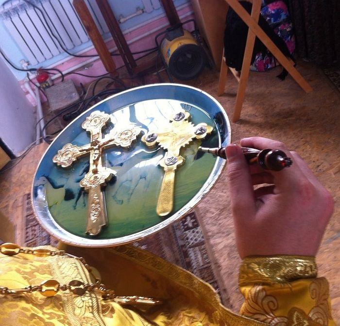 Uoči Velikog petka zamirotočili ručni križevi – Gospod je s nama