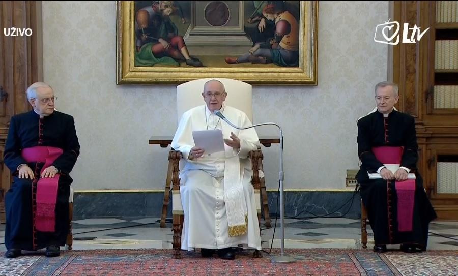 """Papa pozvao na veću ekološku svijest: """"Zemlja nije samo naš dom već i Božji"""""""