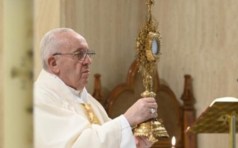 Papa molio za trudnice: Brinu se u kakvom će se svijetu dijete roditi