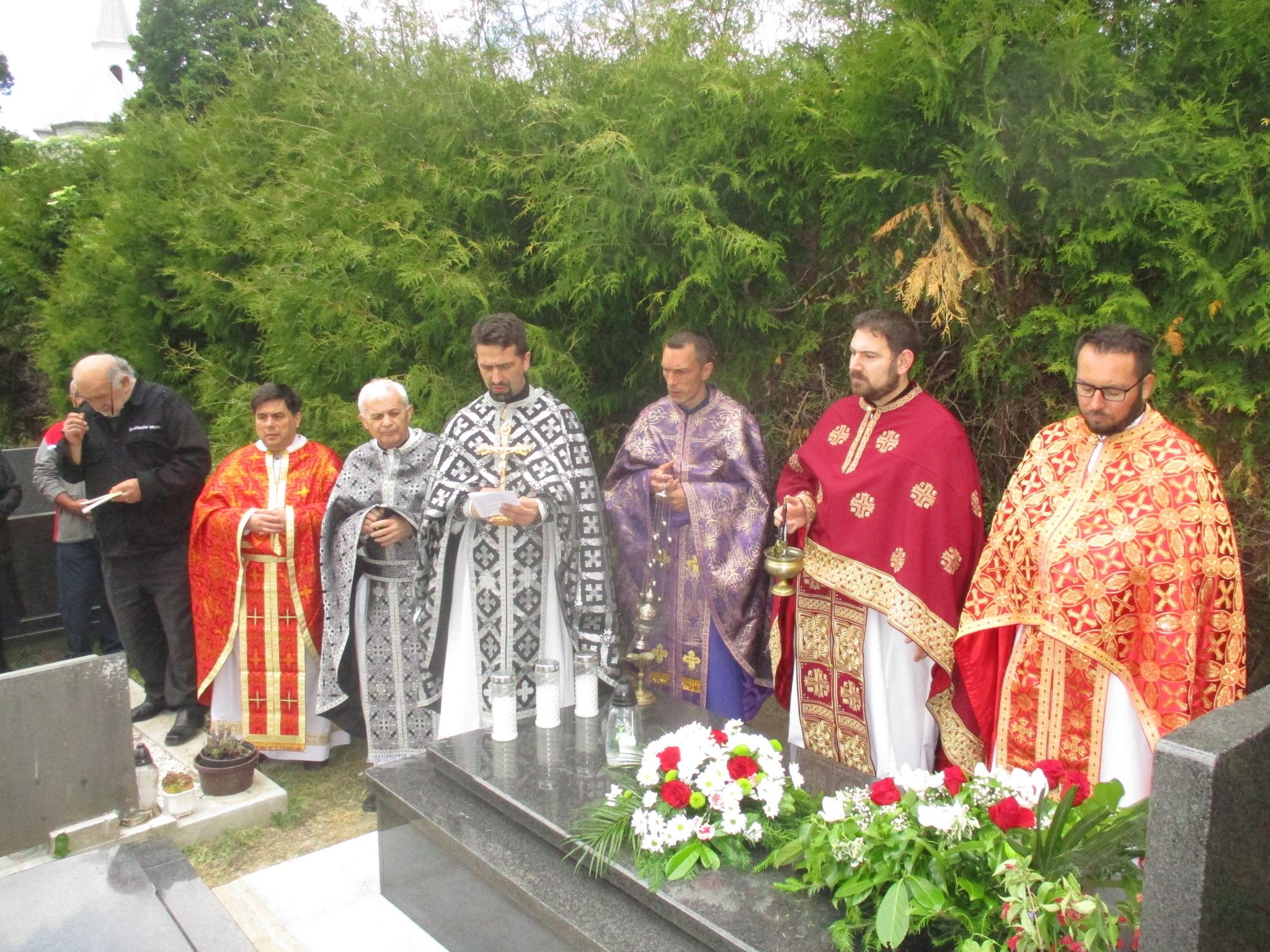 Na Zadušnu subotu u Sošicama blagoslovljena grobnica svećenika Stipe Benka