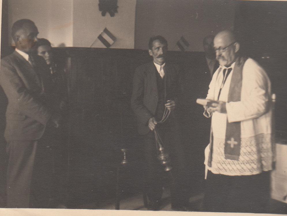 Rijetka slika dr. Janka Šimraka u latinskom crkvenom ruhu