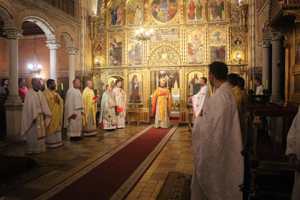 Mons. Stipić blagoslovio učenike, studente i nastavnike uoči početka nove školske i akademske godine