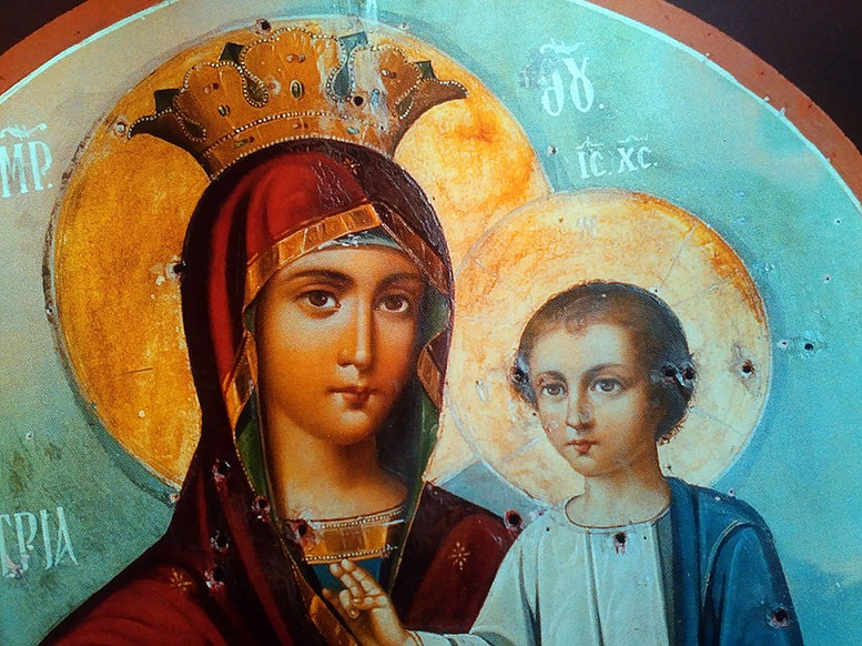 Neobičan događaj s ikonom Presvete Bogorodice – metci zaobišli lice Bogorodice